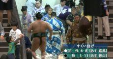 【速報】NHKデカ乳Tバックの実況でエロい服装の女性が映る…こんなエロい服装つい見てしまうよなwww(※画像)
